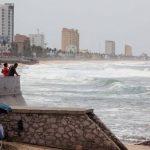 El huracán Blanca baja a categoría 1 mientras avanza al noroeste de México
