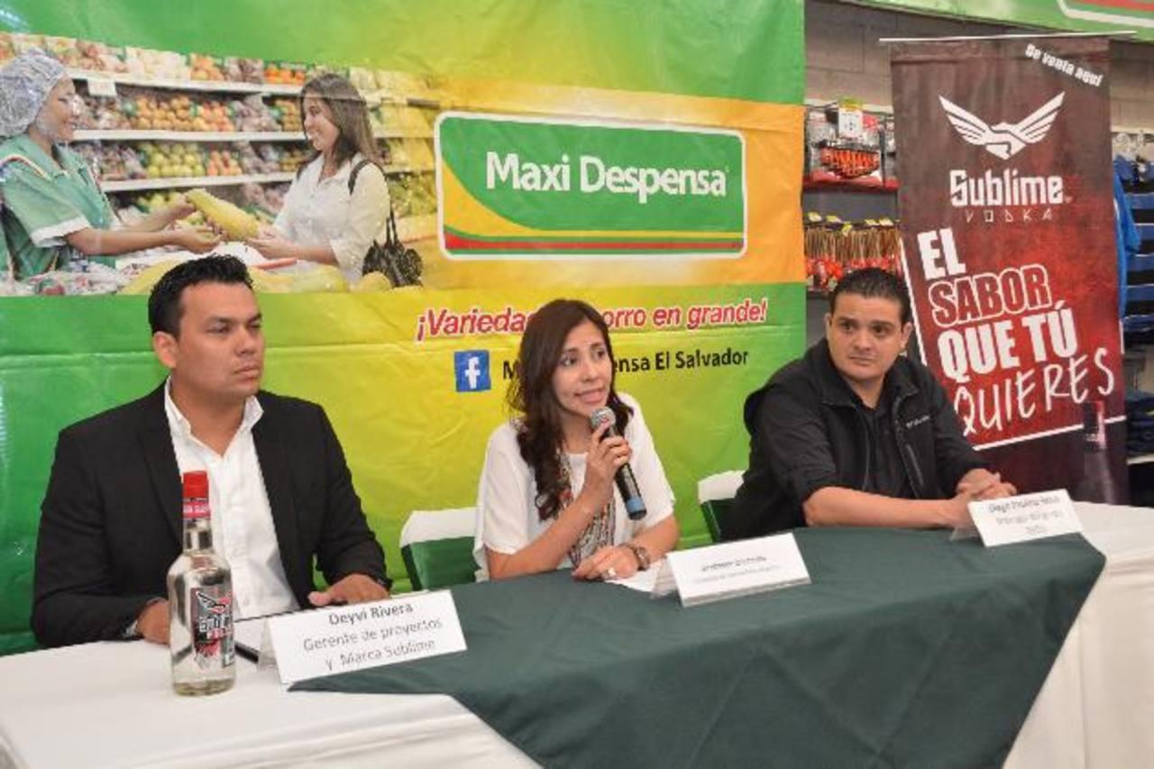 La subgerente de mercadeo del formato Maxi Despensa aseguró que buscan acercar el talento nacional a los consumidores. Foto EDH /David Rezzio
