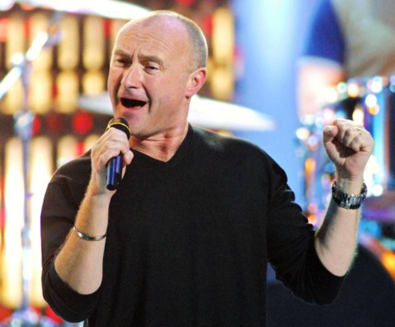 """El cantante de """"Sussudio"""" y """"Another Day in Paradise"""" tendrá entre los vecinos a Barry Gibb, del grupo Bee Gees."""