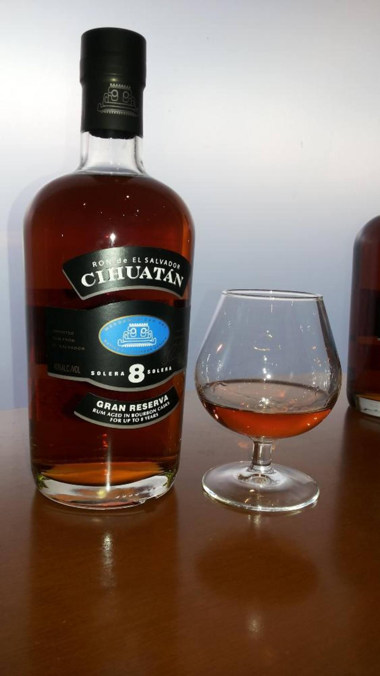 Licorera Cihuatán, subsidiaria de Ingenio La Cabaña, es la productora de la marca.