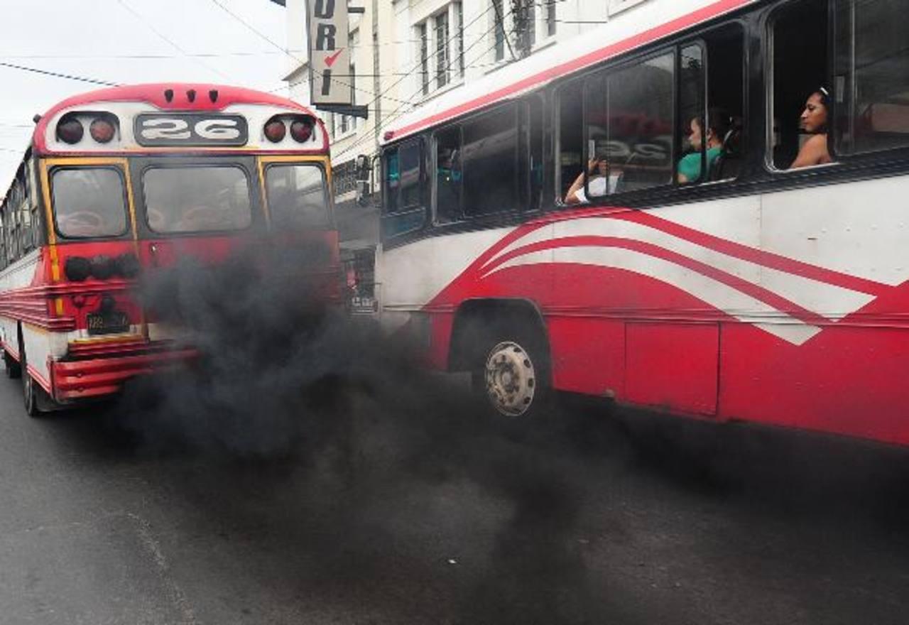 """MARN pide """"restringir"""" a 10 años la circulación del transporte público"""
