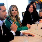 Roberto Acosta y Kathya Carranza serán los presentadores de los microprogramas para el reconocimiento.