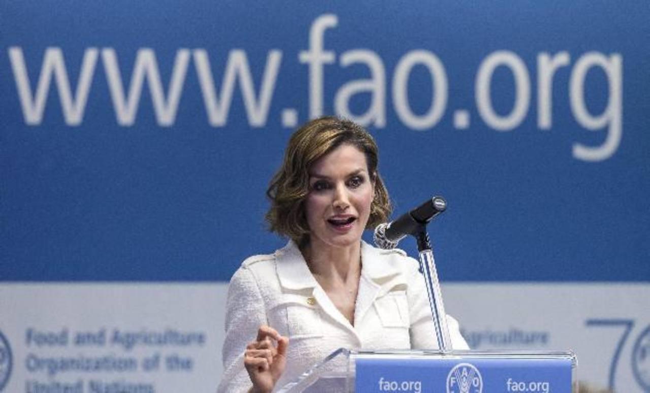 La reina Letizia acudió hoy a Roma, donde fue nombrada embajadora especial de la Organización de la ONU para la Alimentación y la Agricultura (FAO), en el que es su primer cargo como representante de un organismo internacional.