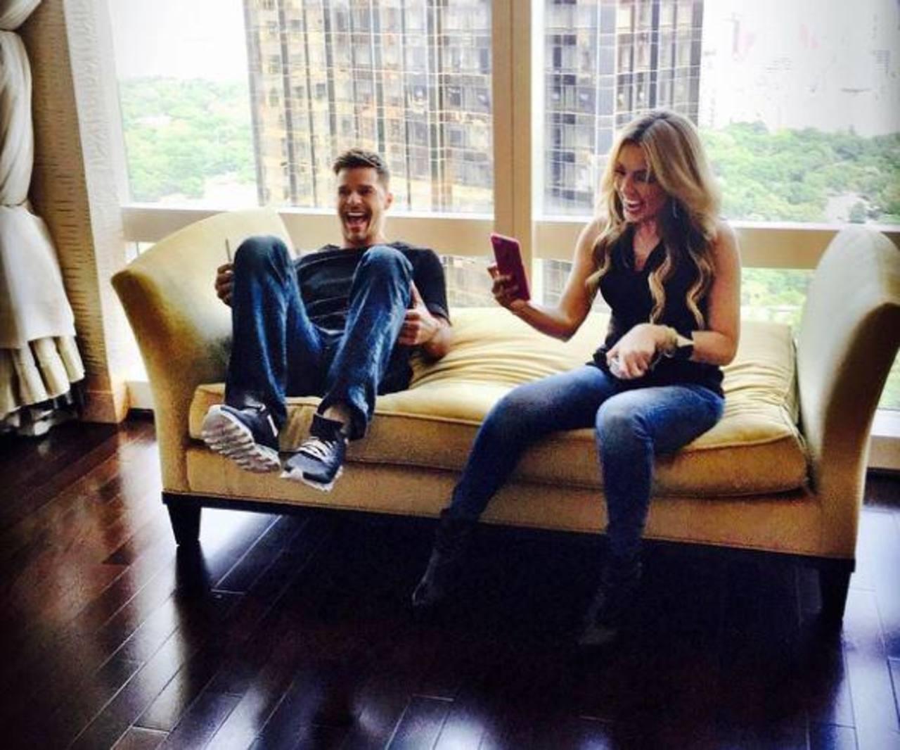 "Video: Thalia y Ricky Martin se divierten en los ""Minions"""