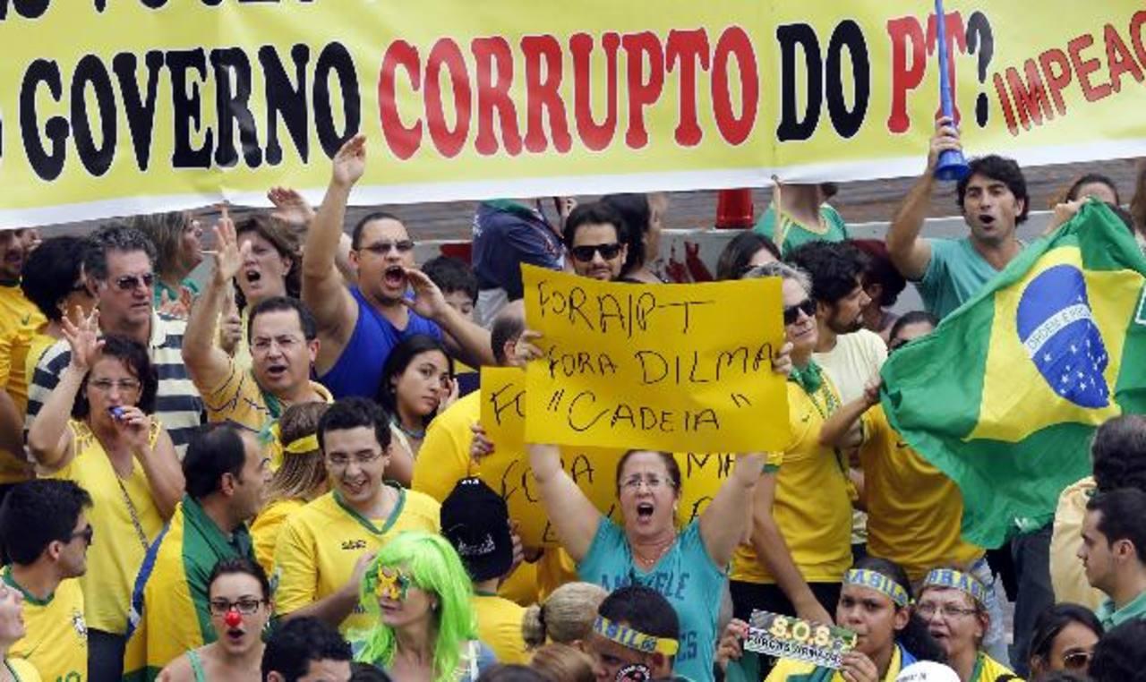 Petrobras está en el centro de un escándalo de corrupción por sobornos, lo que desató protestas en decenas de ciudades brasileñas . foto edh / internet