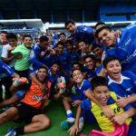 Los chicos de Turín, tras ser campeones. Foto EDH/ Miguel Villalta