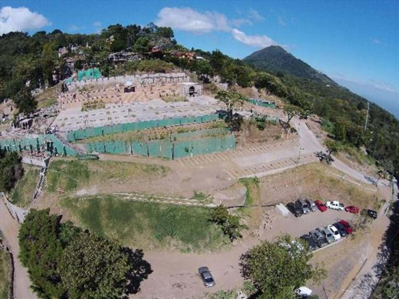 Suspenden permisos de construcción en el volcán