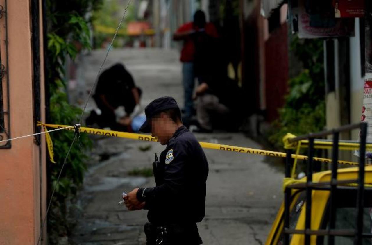 La situación de inseguridad pública que viven los salvadoreños es uno de los rubros que es cuestionado en el informe anual sobre Estado de Derecho del World Justice Project. Foto EDH / Archivo