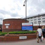 Empleado capta escalofriante foto en corredor de hospital