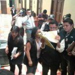 Capturan a cuatro empleados del Congreso Guatemala por venta de plazas