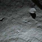 Imagen del cometa 67P/CG tomada por Philae a unos 40 metros sobre la superficie. foto edh