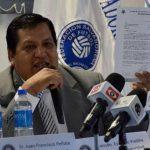 Francisco Peñate manifestó que, hasta ahora, FIFA no ha contactado a la Fesfut. Foto EDH/Archivo