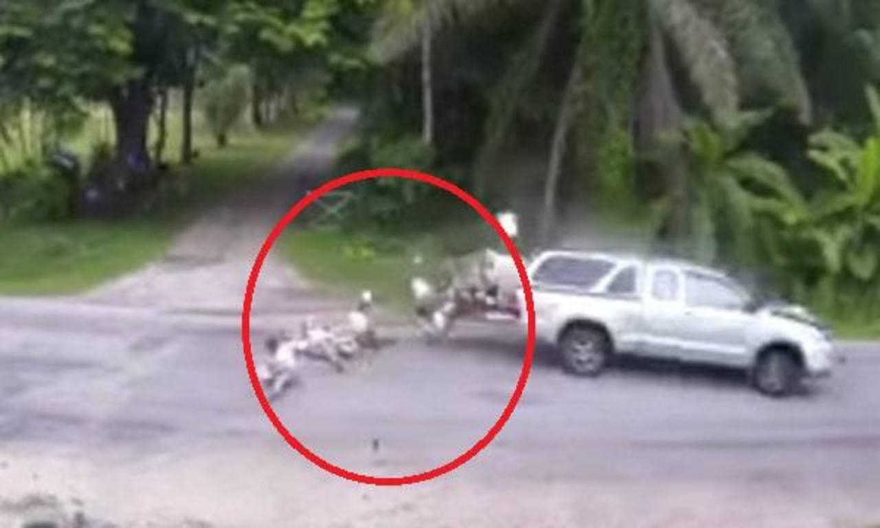 VIDEO: 13 niños salen volando de auto en un accidente vial y sobreviven