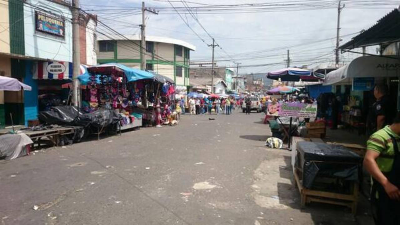 Detienen red de extorsionistas y traficantes de armas en el centro de San Salvador