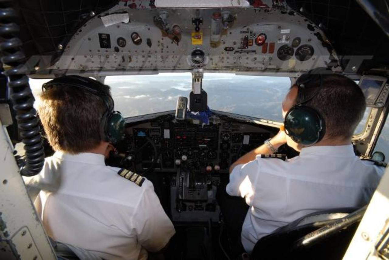 Las aerolíneas debaten desde ayer mejores protocolos de seguridad en sus compañías. Foto EDH/archivo