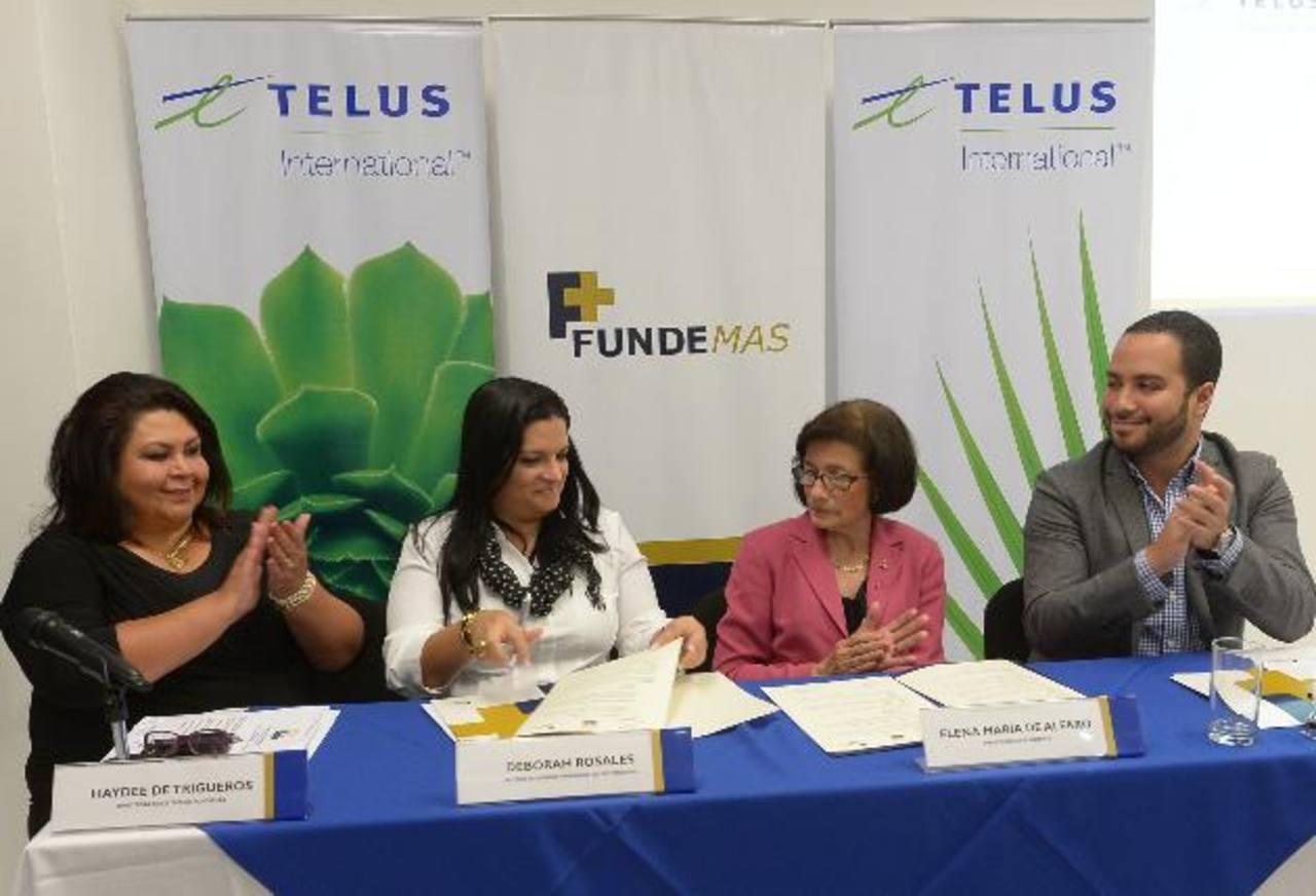 Telus y Fundemas firmaron convenio para financiar esta iniciativa. Foto EDH/ Leonardo González