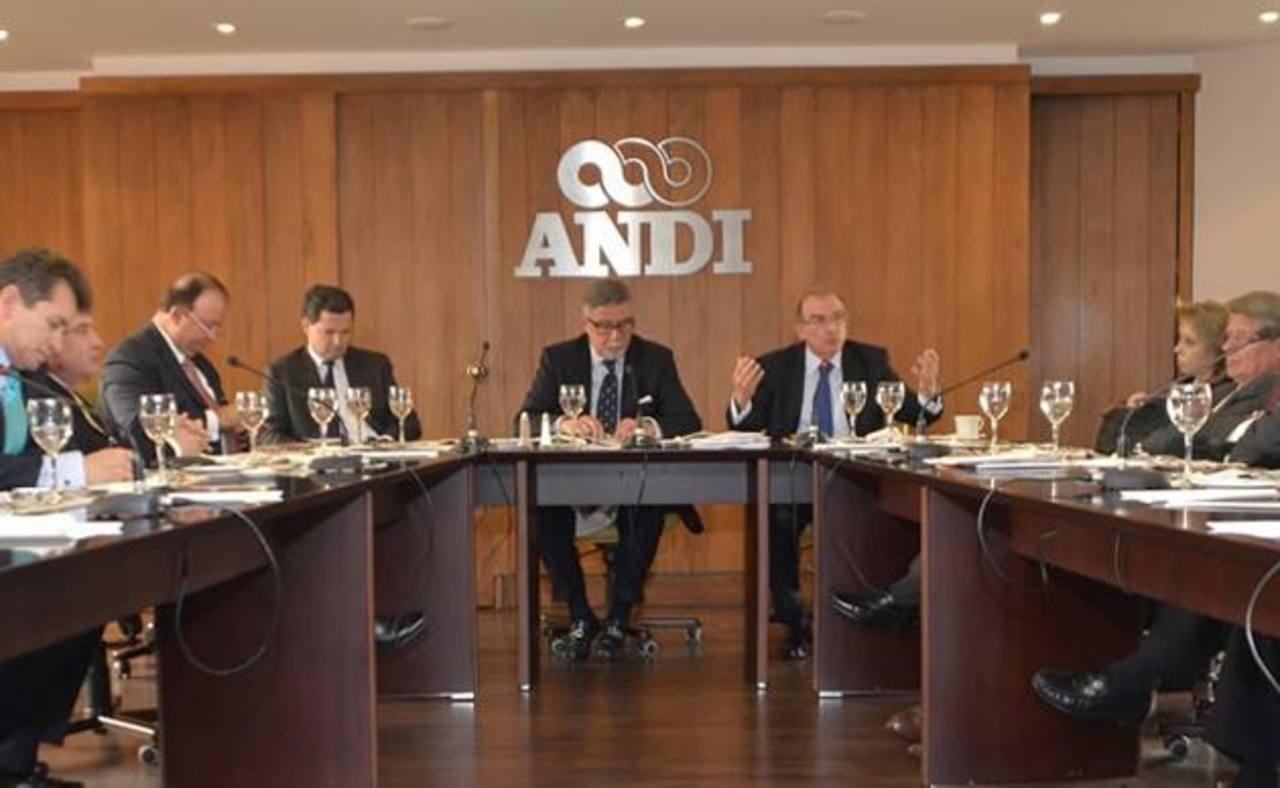 Empresarios rechazaron los atentados de las FARC.