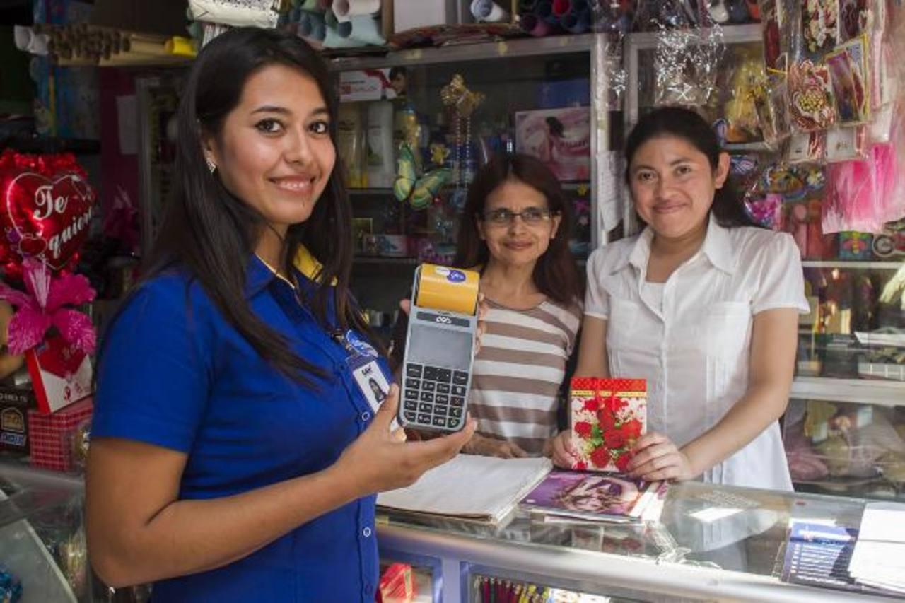 GSMA reconoció la labor de Tigo Money al extender los servicios financieros en el país. Foto EDH / Cortesía