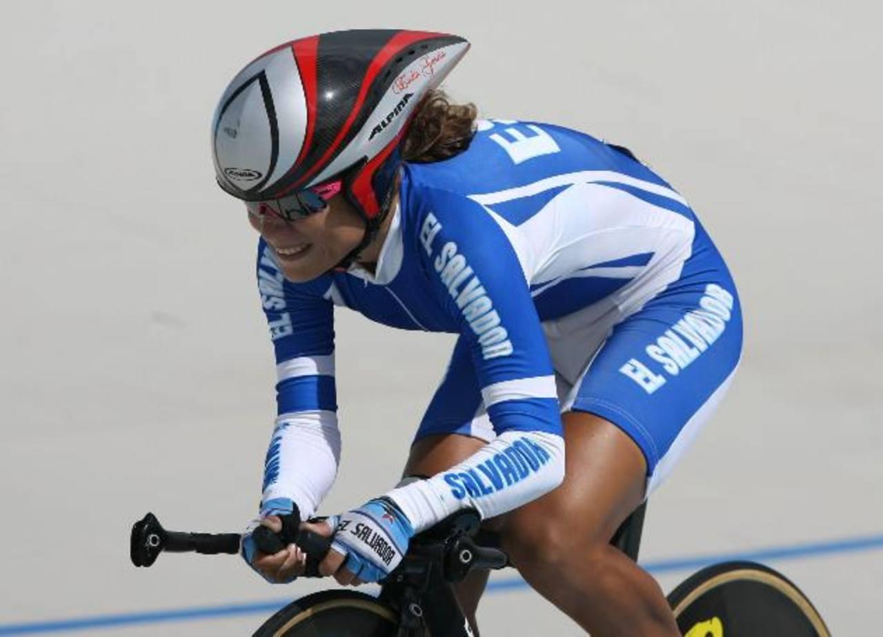 La ciclista nacional Evelyn García confirmó que correrá la Vuelta a Costa Rica. Foto EDH / Archivo.