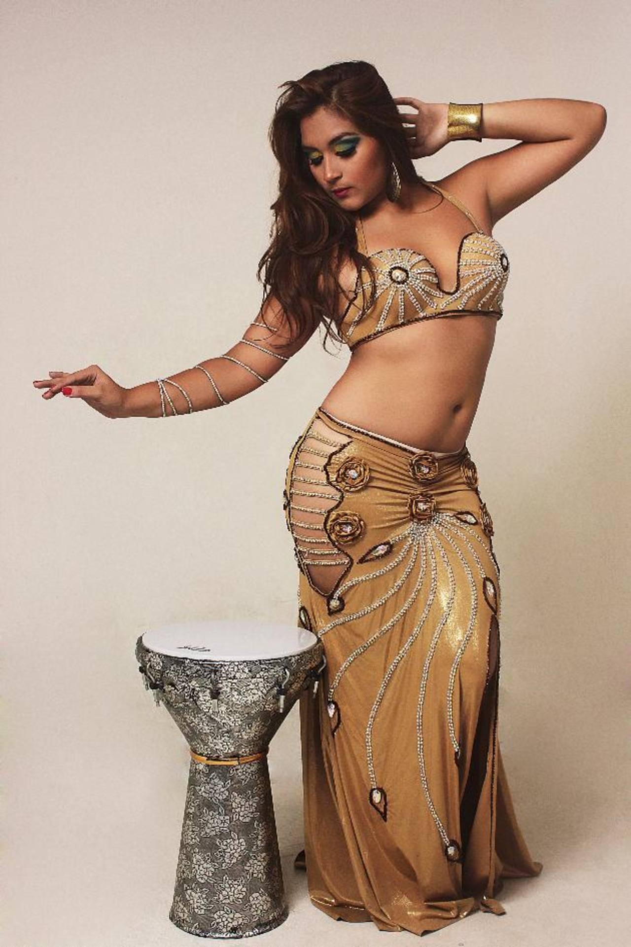 La bailarina viajará a Egipto. Foto EDH / Cortesía Roberto Molina