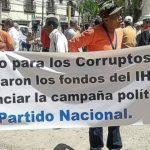 Manifestantes hondureños protestan contra el caso de corrupción en el Seguro Social en Tegucigalpa. Foto EDH/ Internet