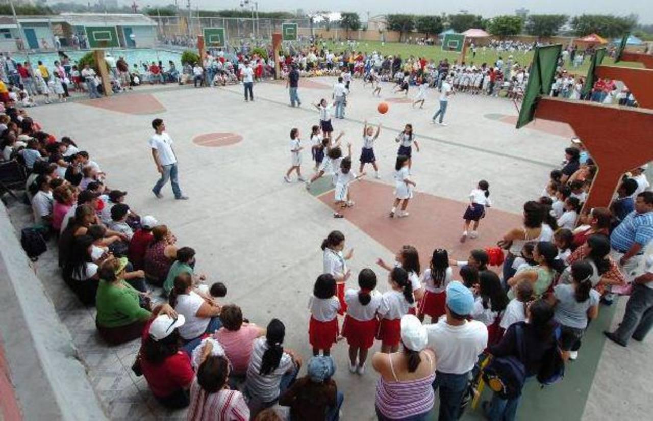 Colegios podrían incrementar costo de matrícula para 2016