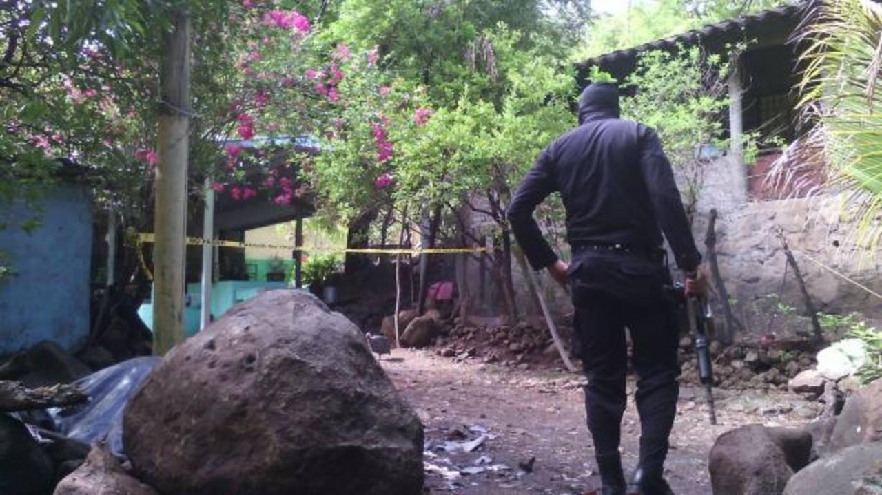 Delincuentes sacaron de sus viviendas a Francisco Ramírez Bonilla, de 24 años, y Herbert Salvador Vásquez Bonilla, de 23. Luego, los asesinaron. Foto EDH / Cortesía Fidel Hernández