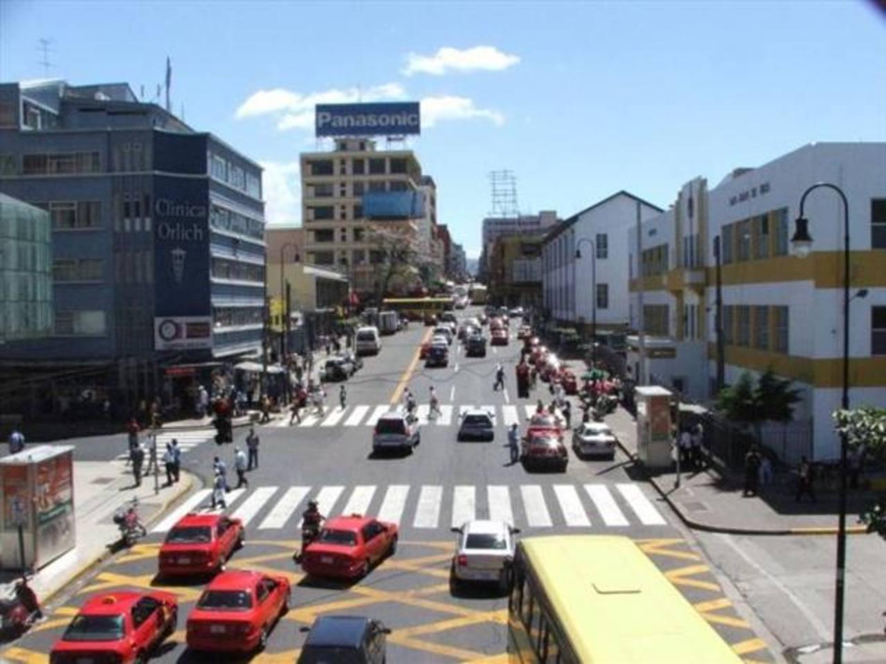 Comerciantes preocupados por caída de la inversión extranjera en Costa Rica