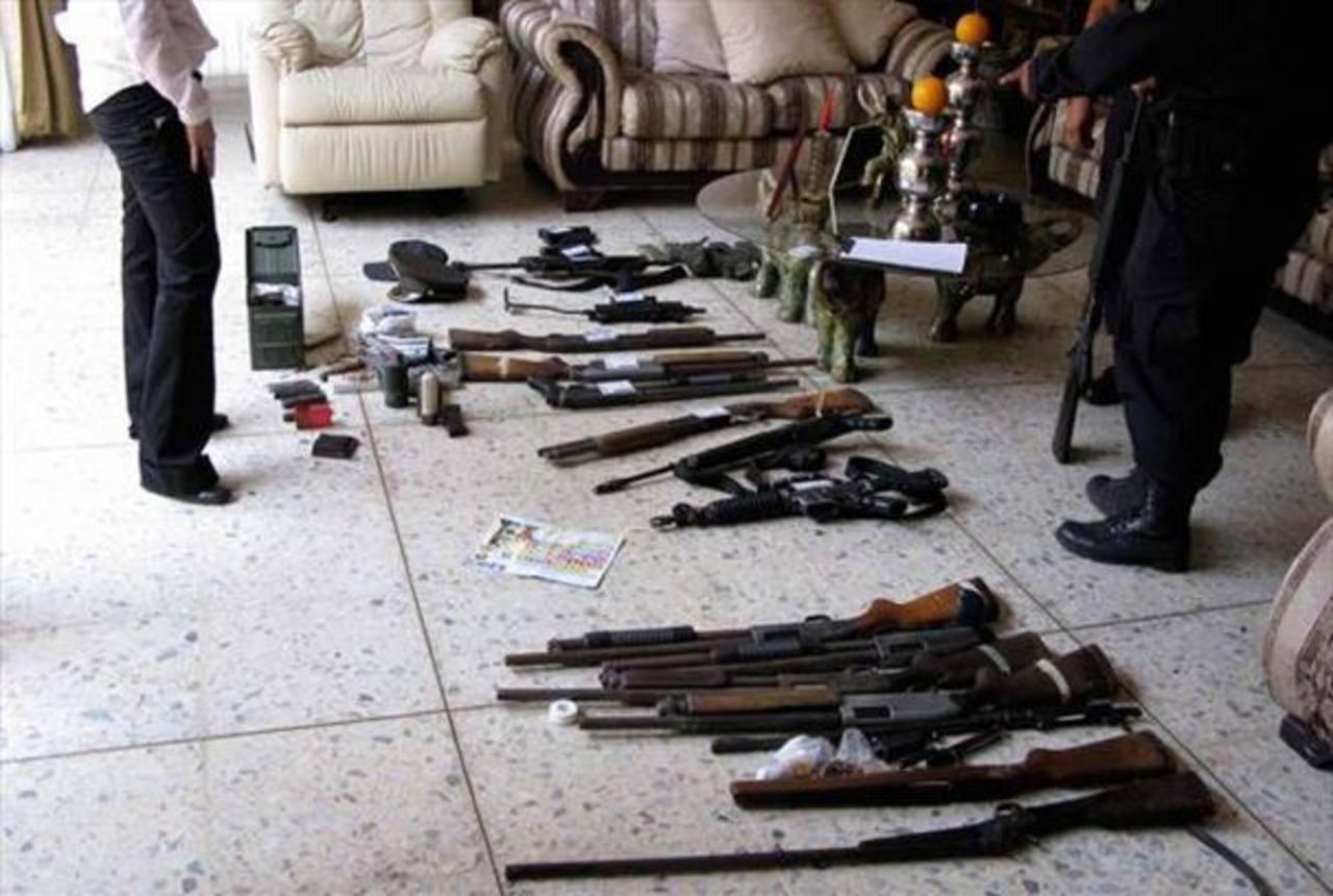 En El Salvador se decomisan alrededor de 10 armas cada día