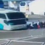 Arrestan a chofer de autobús que atropelló a tres nadadoras