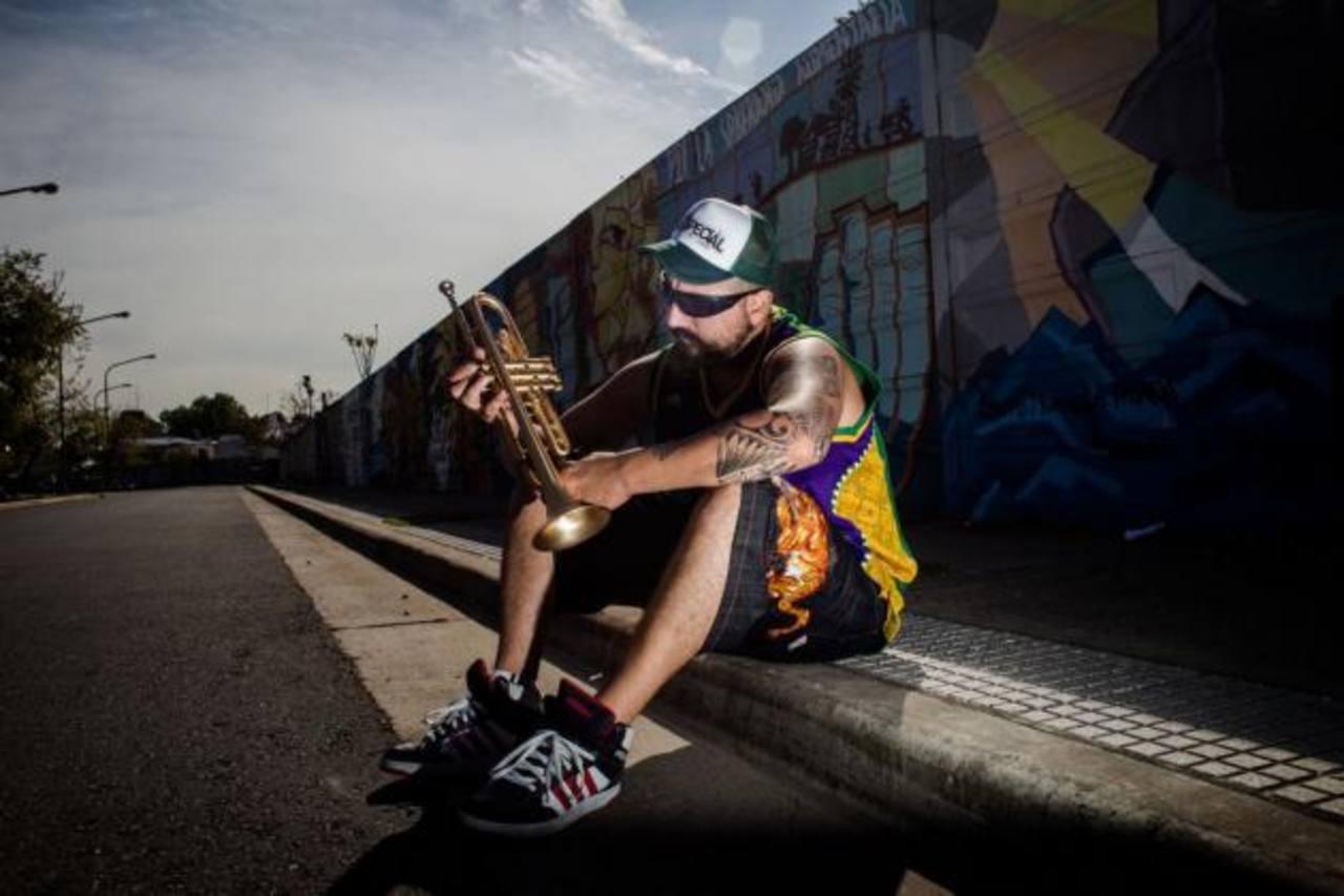 Hugo Lobo es el trompetista de Los Fabulosos Cadillacs y, además, es el fundador de Dancing Mood.