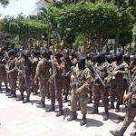 Militares listos para desplazarse por diferentes puntos de San Salvador.