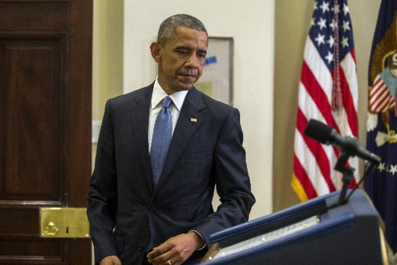 """Obama reafirma a Hollande su """"compromiso inquebrantable"""" con Francia"""
