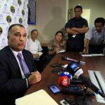 El secretario general de la Procuraduría General de Panamá, Rolando Rodríguez, durante la rueda de prensa en Ciudad de Panamá en la que confirmó la investigación. Foto EDH/EFE