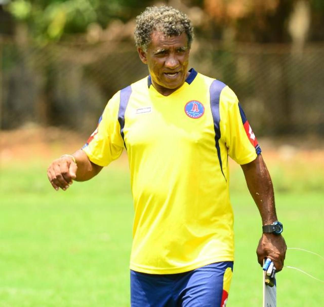 El entrenador tiene entre ceja y ceja clasificar a Alianza a cuartos. Foto EDH/ Archivo