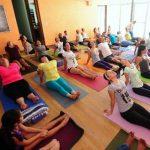 La clase de yoga estuvo dirigida a practicantes de todos los niveles. Fotos EDH René Quintanilla