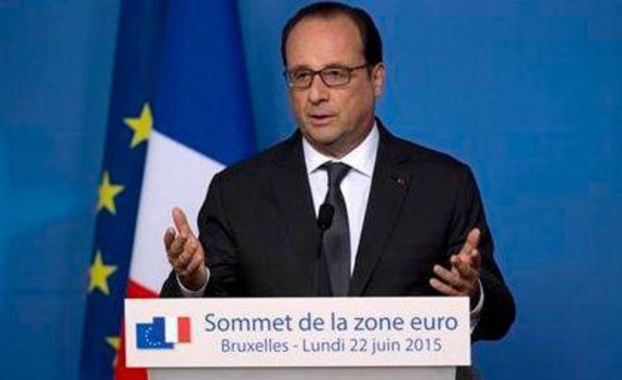 El presidente francés François Hollande interviene durante una conferencia de prensa en una cumbre de la Unión Europea en Bruselas, el 22 de junio de 2015.