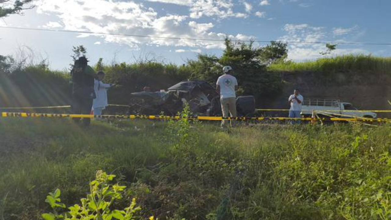 Dos adultos y un niño mueren en accidente de tránsito en el Litoral