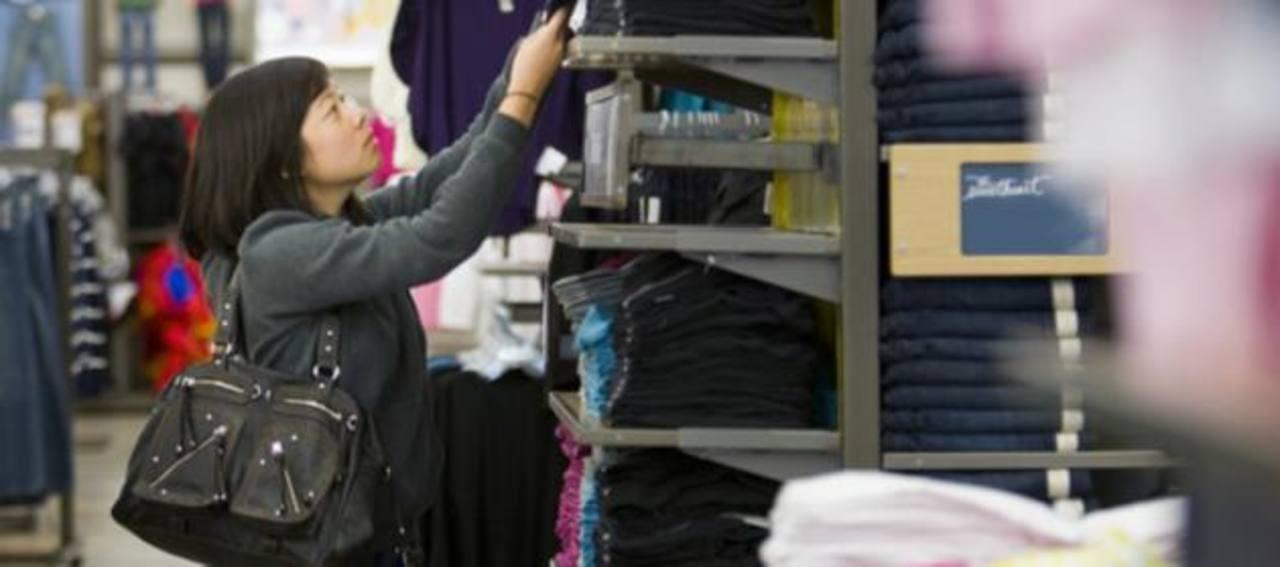 La compañía cerrará 175 tiendas en Estados Unidos y otra cantidad no especificada aún en Europa. FOTO gapinc.
