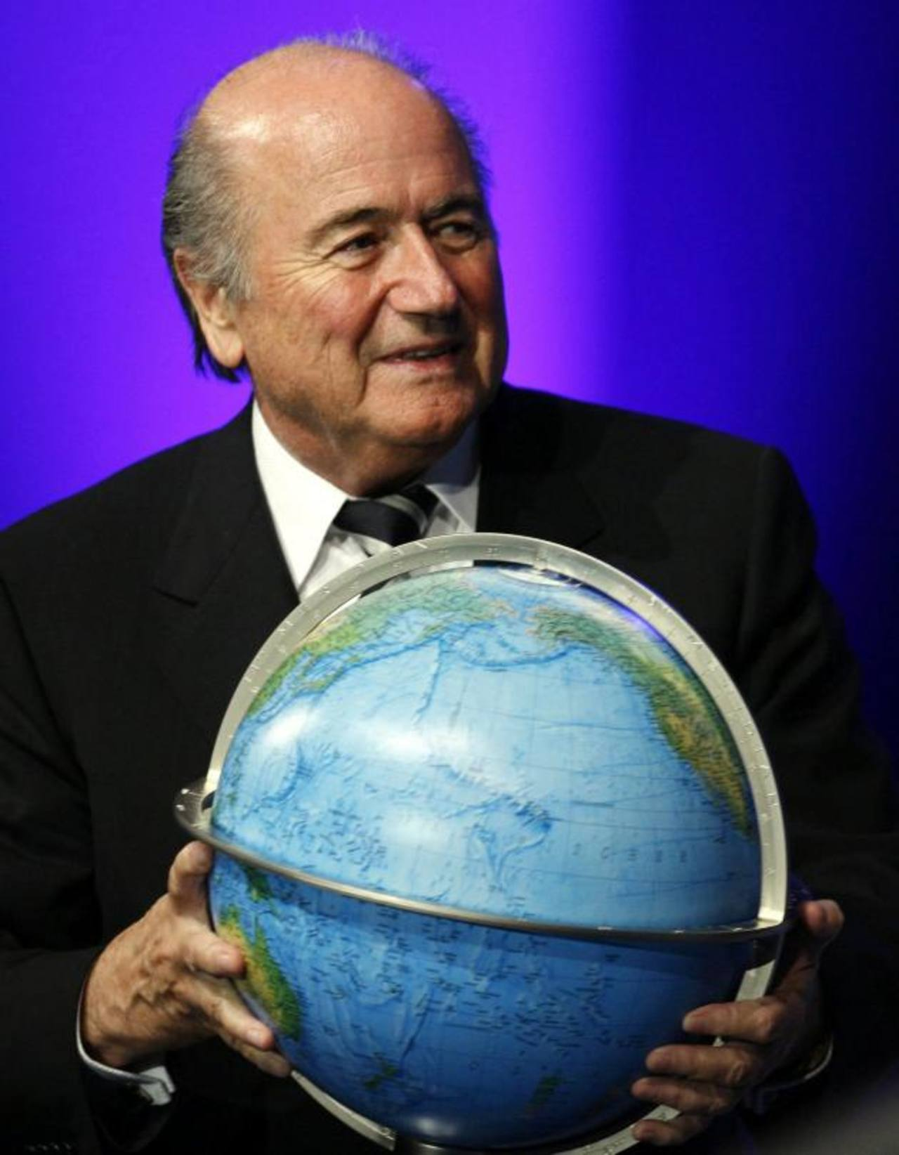 El mundo del fútbol ya no es de Joseph Blatter