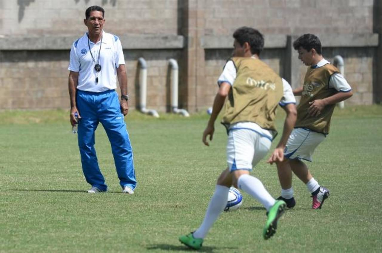 La Sub-23 de Ramón Sánchez juega hoy ante la de Honduras. Foto EDH/ Archivo