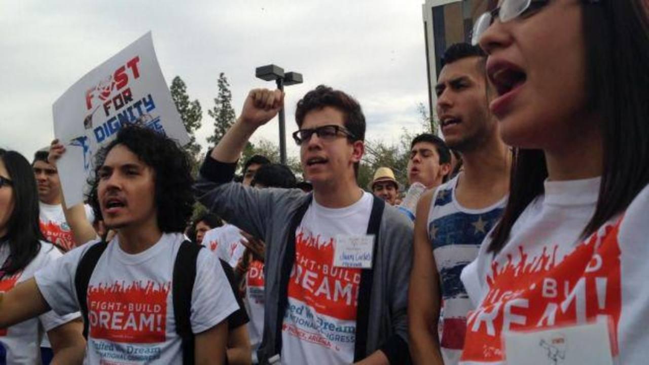 Cerca de 800 mil jóvenes solicitaron medidas migratorias en tres años