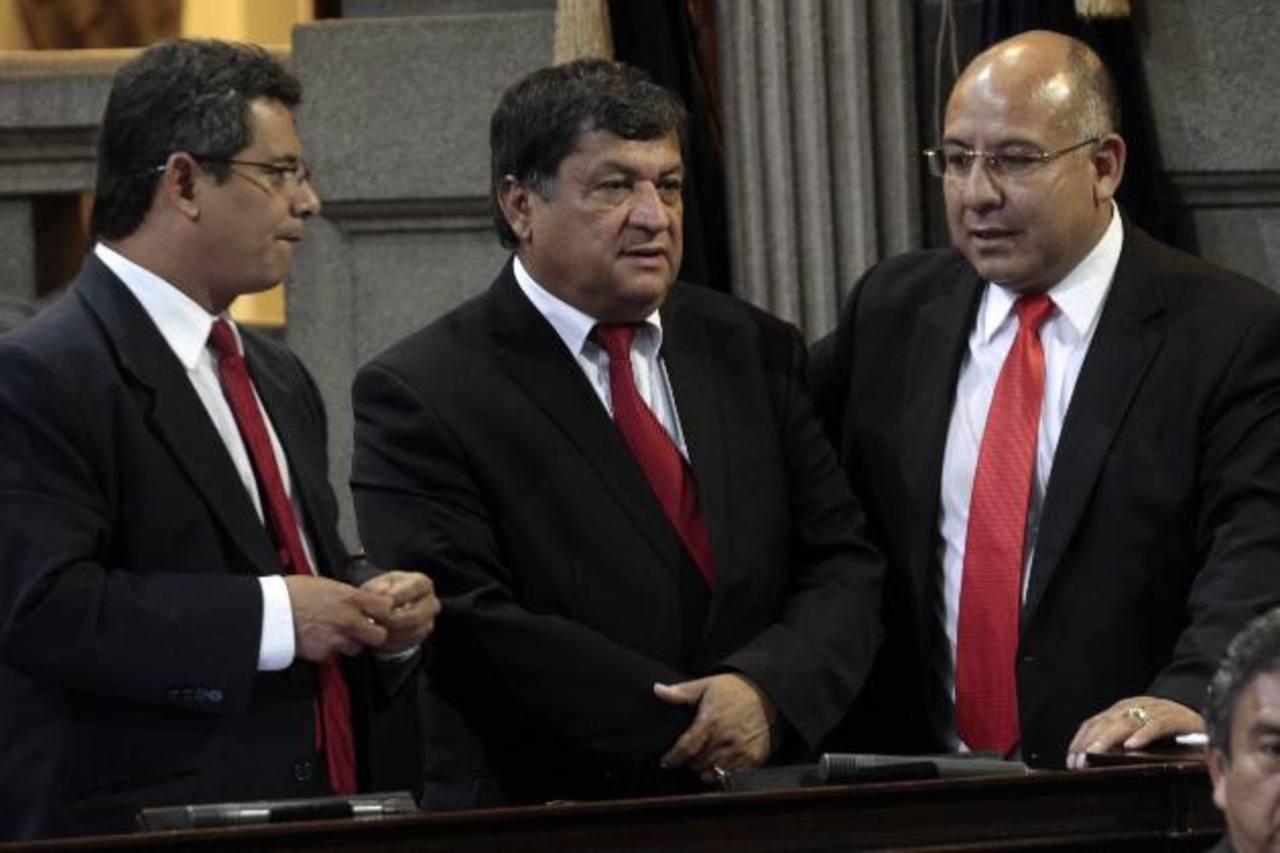 Diputados guatemaltecos en la sesión de ayer para eligir la comisión de antejuicio. Foto edh/EFE