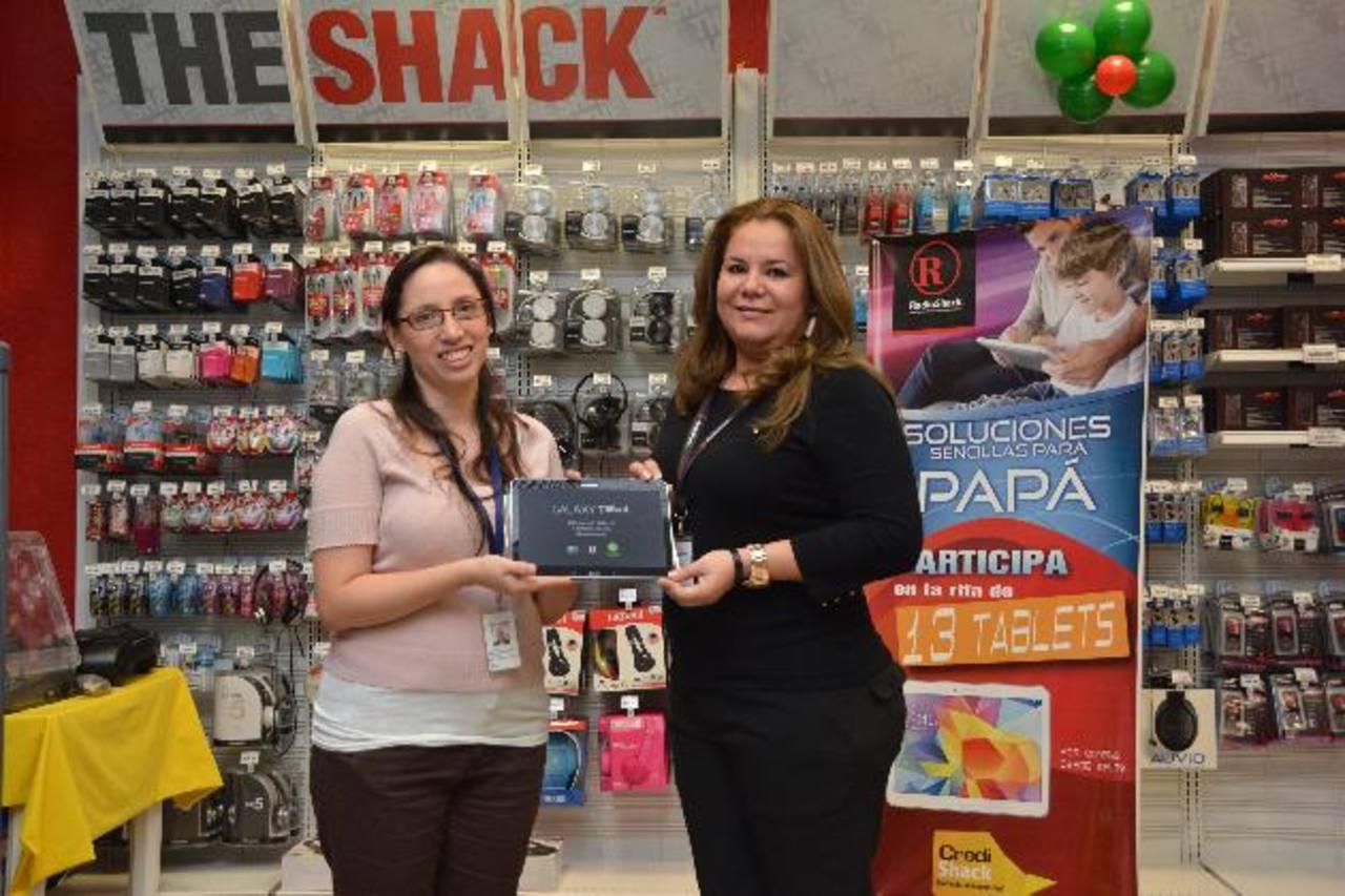 Los clientes pueden participar en la rifa, comprando en cualquier tienda Radio Shack. Foto EDH / cortesía