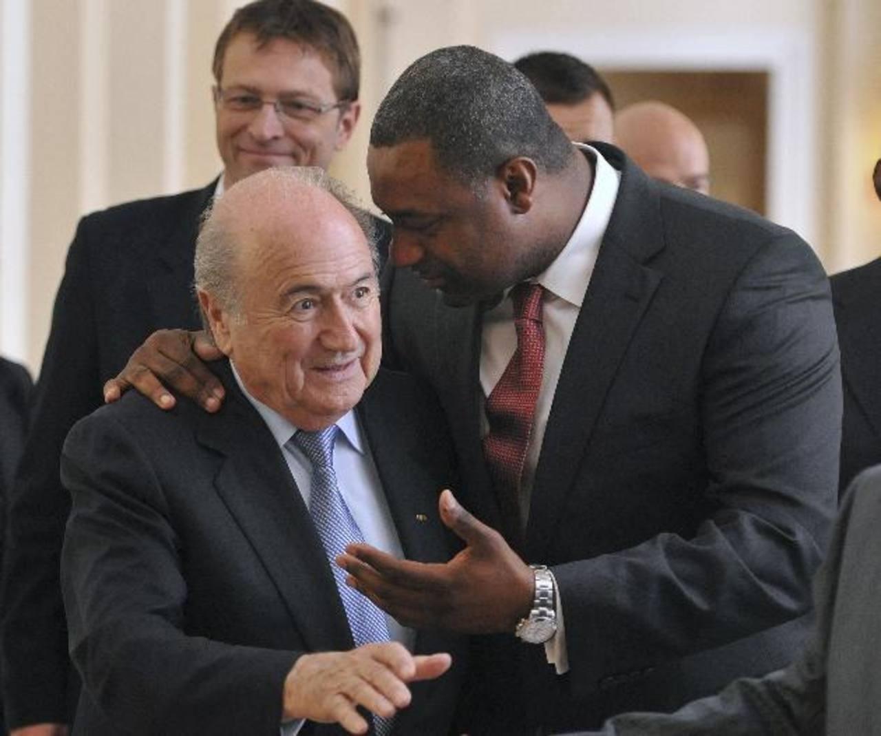 Caso de sobornos en la FIFA golpea al fútbol latinoamericano