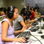 El rubro de call centers se expande, pese a limitaciones en infraestructura. Foto EDH/ Archivo