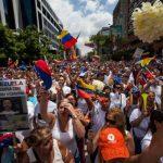 Miles protestan contra el Gobierno en Venezuela