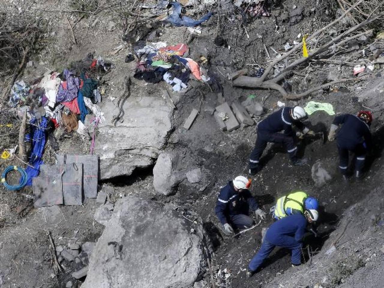 Fiscalía valida inhumación de los cuerpos del avión de Germanwings tras identificarlos