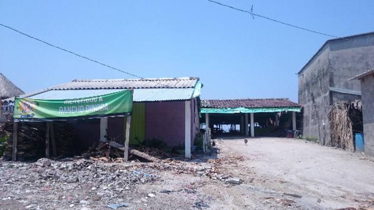 Dinora del Carmen García fue asesinada el 4 de mayo en este restaurante de la playa Las Hojas. Foto EDH/Jorge Beltrán Luna