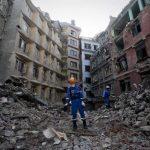 El terremoto que asoló Nepal hace 10 días acabó con miles de vidas, destruyó parte de sus infraestructuras y supuso además un golpe al turismo, una de las principales industrias del país.